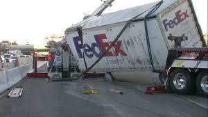 100 Fedex Freight Truck Man Dies In Crash Between Vehicle FedEx Truck On I880 In Oakland