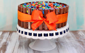 Halloween Candy Carb List by How To Make A Kit Kat Cake With Your Leftover Halloween Candy