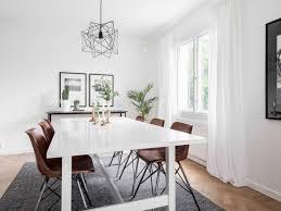 teppich unter esstisch grau weiß skandinavisch lederstühle