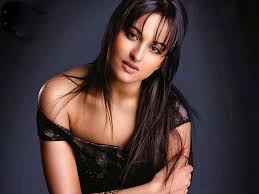 Sonakshi sinha Opps Moments Hot Wallpapers photos pic and images