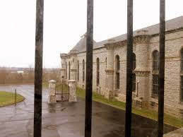 Mansfield Prison Tours Halloween 2015 by Hunting For Supernatural Sprits In The Ohio State Reformatory In