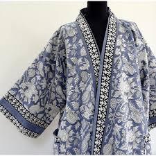 kimono robe de chambre femme robe de chambre homme ou femme blanc et bleu gris à dessins
