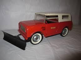 TRU SCALE INTERNATIONAL Harvester IH Scout Truck Toy W/ Plow Vintage ...