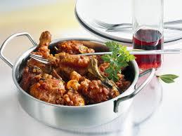 cuisiner un coq coq au vin allégé et simplifié recette la cuisine française sud