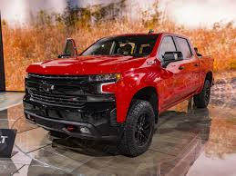 2019 Chevrolet Silverado First Look | Kelley Blue Book Pertaining To ...