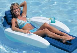 siege de piscine gonflable linkzat fauteuils gonflables pour la piscine vive le farniente