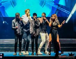 pentatonix skilled performance and enthusiastic crowd see