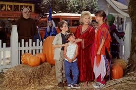 Halloween Town Cast 2016 by Halloweentown U0027 Cast Reunites Honors Debbie Reynolds Simplemost