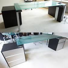 bureau couleur wengé bureau de direction de marque haworth modele acon en bois melamine