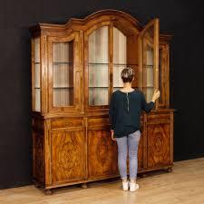 bücherschrank vitrine kredenz antik stil möbel wohnzimmer