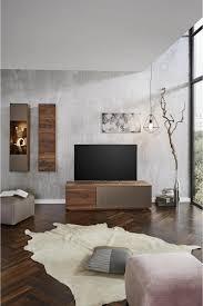 wohnwand bronzefarben nussbaumfarben massivholz rooms
