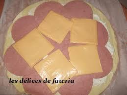 roulé feuilleté à la dinde et fromage les délices de fawzia