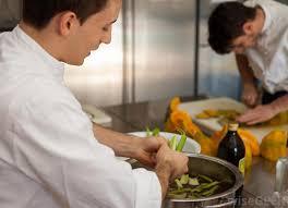 chef de cuisine definition what is a chef de partie with pictures
