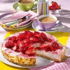 erdbeer frischkäse torte auf butterkeks bröselboden