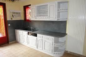 renovation cuisine rustique relooker une cuisine rustique repeindre les meubles de cuisine