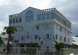 le port la reunion hôtel de ville mairie de la ville du port île de la réunion