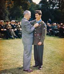 cuisine et confidences place du march honor desmond doss awarded a medal of honor for saving 75 lives during