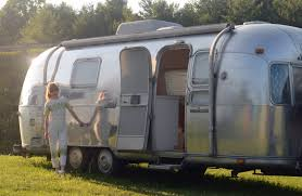 100 Antique Airstream A 1972 Is Transformed Into A Brooklynites Colorful Live