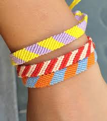 Make Friendship Bracelets With Embroidery Floss Old School Craft For Teens And Tweens