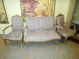 retapisser un canapé fauteuil canapé place offres juin clasf