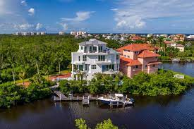 104 Water Front House Jaw Dropping Front Homes Hgtv Com S Ultimate Hunt Hgtv