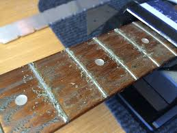 How To Clean Maple Fretboard 2