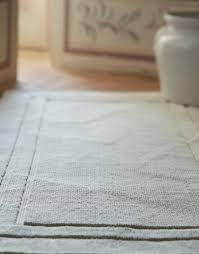 badezimmerausstattung handtuch bademantel badteppich