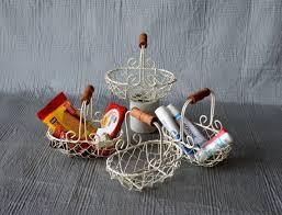 korb für badezimmer metallkorb badezimmer utensilien blumenkörbe korb für geschenke gitterkorb osterdeko korb metallkörbe körbe