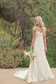 simple dress long veil my walk down the aisle Pinterest