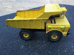 VINTAGE BIG Yellow Tonka Dump Truck - $25.00 | PicClick Big Yellow Transport Truck Ming Graphic Vector Image Big Yellow Truck Cn Rail Trains And Cars Fun For Kids Youtube Yellow Truck Stock Photo Edit Now 4727773 Shutterstock Stock Photo Of Earth Manufacture 16179120 Filebig South American Dump Truckjpg Wikimedia Commons 1970s Nylint Dump Graves Online Auctions What Is A British Lorry And 9 Other Uk Motoring Terms Alwin Nller Flickr Thermos Soft Lunch Box Insulated Bag Kids How To Start Food Your Restaurant Plans Licenses