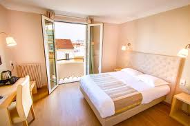 hotel avec dans la chambre perpignan hôtel mondial