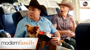 Modern Family Halloween 3 Cast by Mitch And Cam Are Lost At The Airport Modern Family 8x18 Youtube
