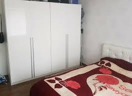 schlafzimmer möbeln schrank hochglanz bett leder weiß