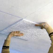 rénover un plafond avec des dalles de polystyrène