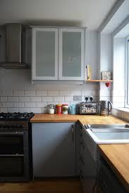carrelage cuisine design cuisine design cuisine gris bois en l carrelage mural métro blanc