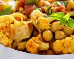 cuisiner le choux fleur recette de curry de chou fleur minceur à la tomate et aux pois chiches