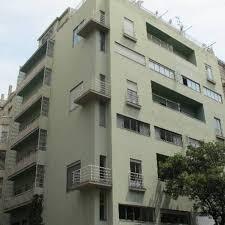 RA Apartment In Barcelona By Francesc Rife Studio
