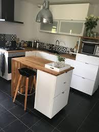 cuisine ikea blanche et bois cuisine blanche et bois brut ikea carreaux de ciment en faïence
