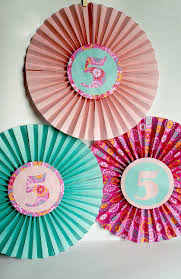 Fold Up These Paper Fans For Easy And Fun Birthday Decor