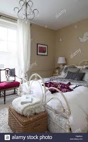 schlafzimmerwände stockfotos und bilder kaufen alamy