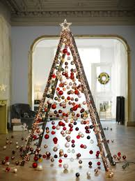 7 Evergleam Aluminum Christmas Tree by Top 40 Minimalist And Modern Christmas Tree Décor Ideas