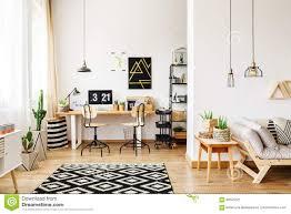 büro und offenes wohnzimmer stockbild bild frech raum