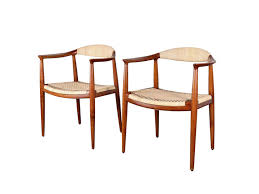 Re Caning Chairs London by 10 Easy Pieces Caned Dining Chairs Remodelista