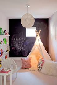 cabane dans la chambre 20 chambres d enfants qu on aurait adoré avoir