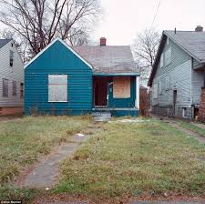 100 100 Abandoned Houses Detroit Housing Photographs Of Crumbling Houses That Litter