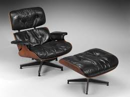 Lounge chair and ottoman No 670 and 671
