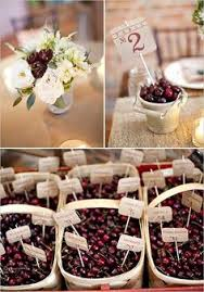 Cheap Wedding Decorations That Look Expensive by Love The Red Apples And Gold Centerpieces From This Wedding Idea