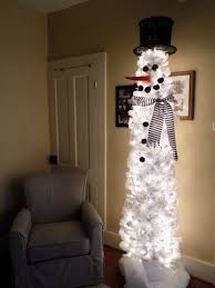 Its So Easy Create The Same Look That We Did With Our Snowman Christmas Tree Pictured Above A White