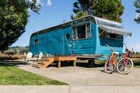 104 Restored Travel Trailers Vintage Trailer Bluebook Tin Can Tourists