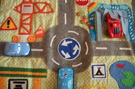 tapis de jeux voitures tapis de jeux range voiture car playmat meli melo deco